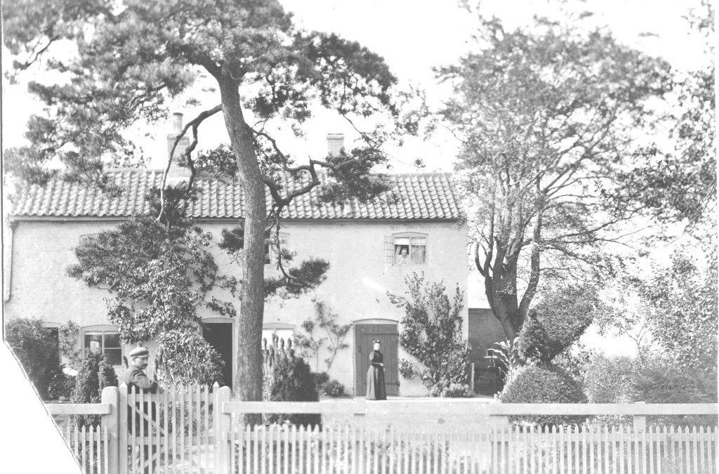 Lowdens Farm House