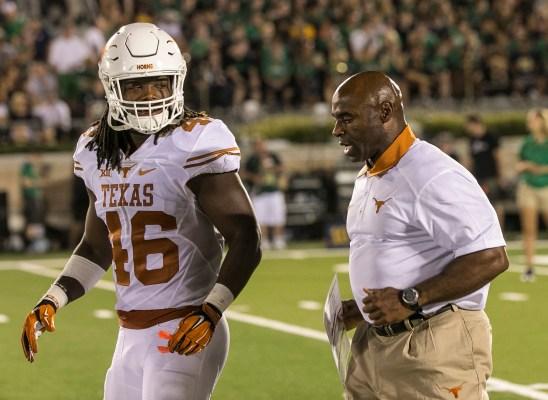 Texas linebacker Malik Jefferson and head coach Charlie Strong (RODOLFO GONZALEZ / AMERICAN-STATESMAN)
