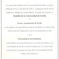 Acuerdo concesión medalla oro universidad