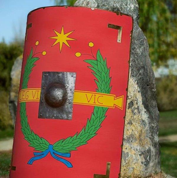 escudo imperial romano