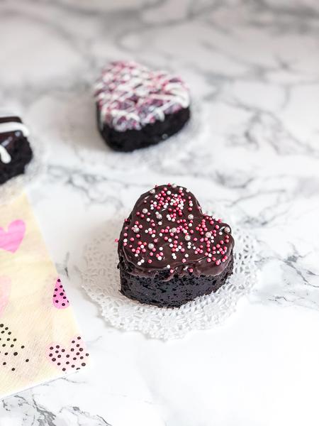 Mocha Lotta Love Cakes Sprinkles