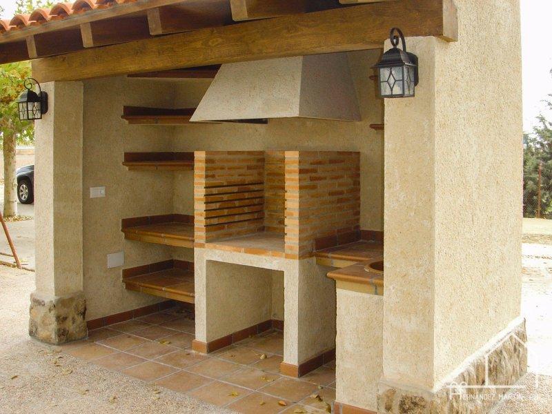 hernandezmartincb-experiencia-construccion-auxiliar-barbacoas-tradicionales-03
