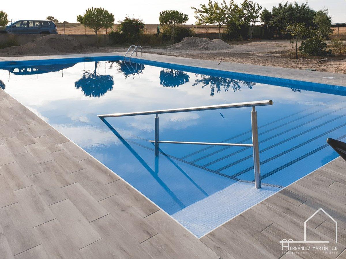 hernandezmartincb-experiencia-construccion-piscinas-moderna rectangular-zamora-29