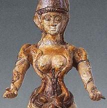 Déesse aux serpents, 1600 av. J.-C., musée d'Héraclion, Crête