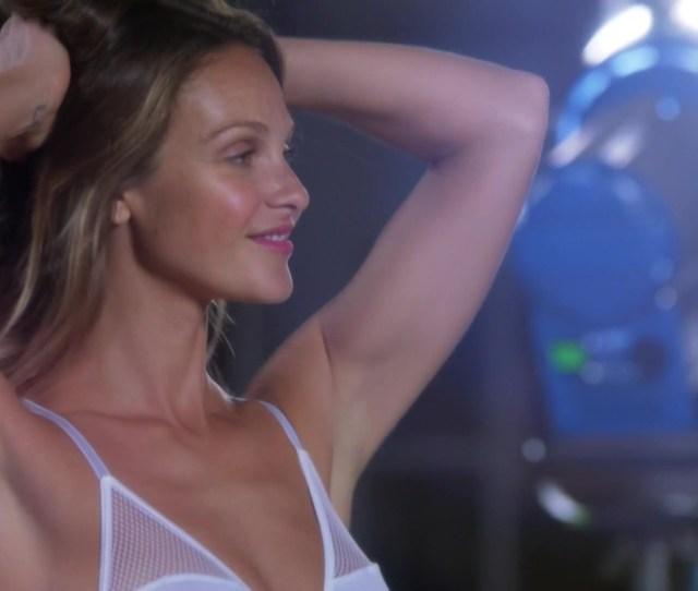 Beau Garrett Necar Zadegan Nude Girlfriends Guide To Divorce S02e04 2015