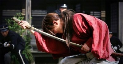 Kenshin (Takeru Satoh) getting his tease on in The Legend Ends