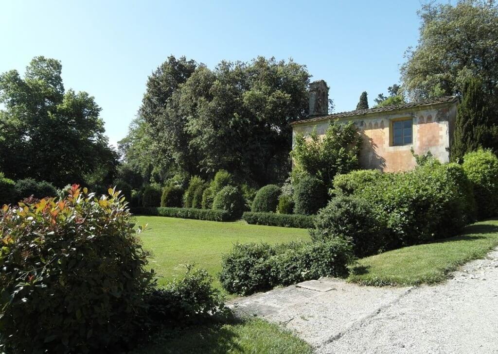 Mediterraner Garten  Trockenmauer bauen  Bilder  Tipps