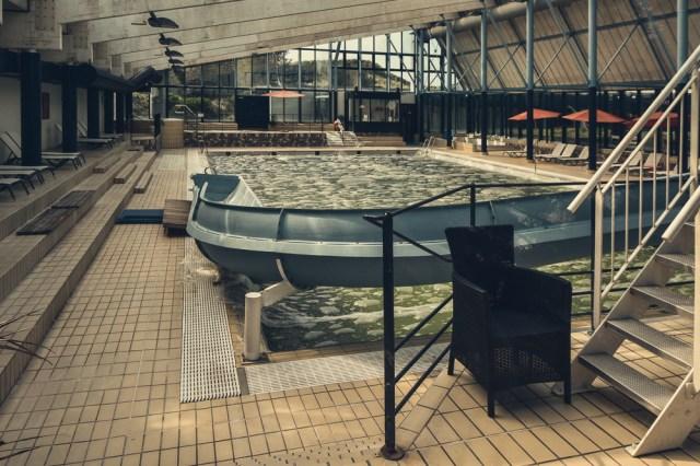 Schwimmbad 1