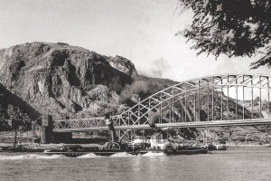 Die Ludendorff-Brücke vor der Erpeler Ley in den 30er Jahren