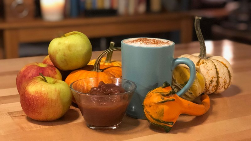 Laurel's Pumpkin Spice London Fog and Jamey's Easy-Peazy Applesauce