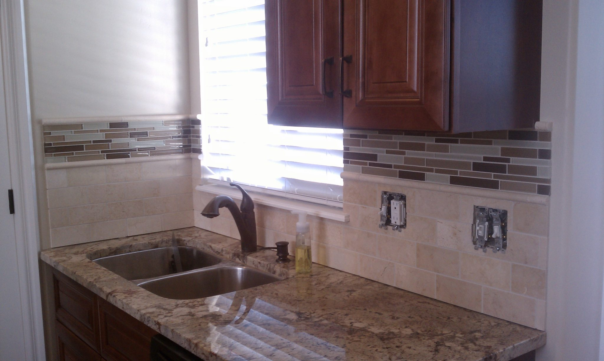 how to replace travertine tiles on a kitchen backsplash html 3