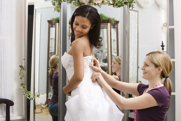 X mistakes to avoid when wedding dress shopping
