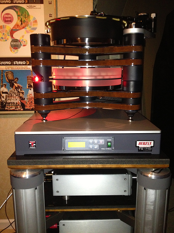 High End Turntable with TS-140