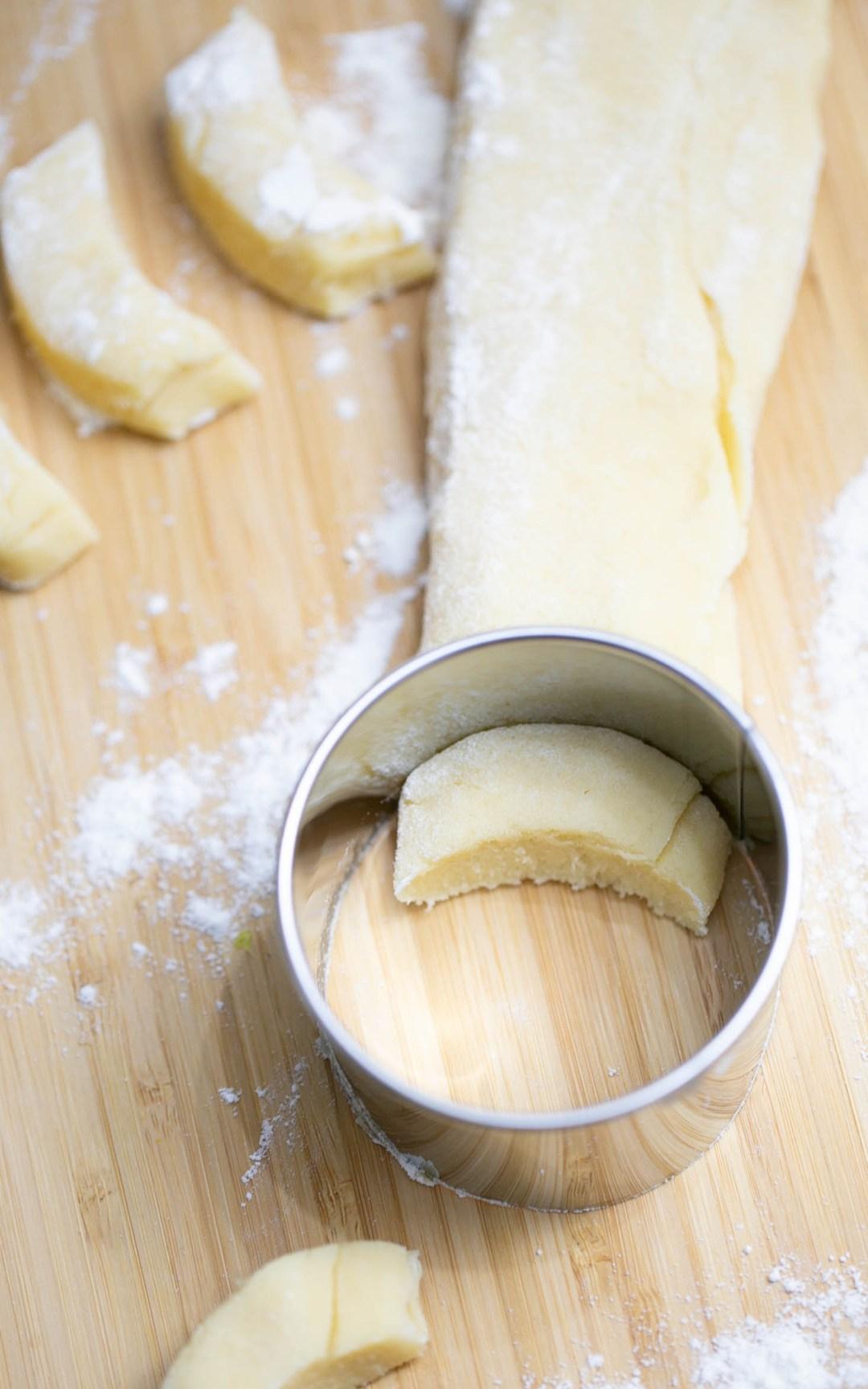 Vanillekipferl ganz einfach formen