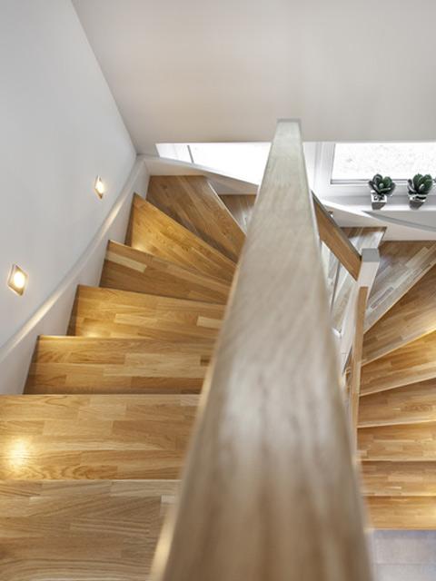 Holztreppen von HERZOG aus hochwertigem deutschem Holz