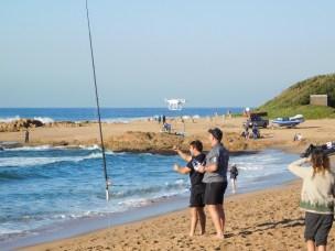 Sommige mense gebruik die sardyne om vis te vang met visstokke en drones