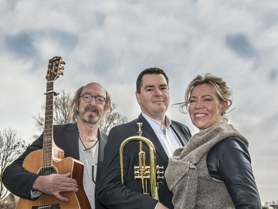 three of us, Wervershoof, Het Cafe, Live Muziek