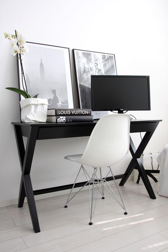 Zwart Ad Hoc bureau met grote lade