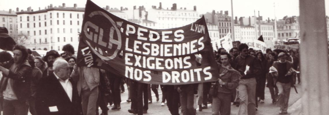 Presque 40 ans après son adoption, la loi du 4 août 1982 est parfois présentée, à tort, comme celle qui a rendu légale l'homosexualité en France.