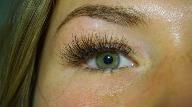 eylure lash pro individuals wimperextesions afgemaakt, nog geen make-up