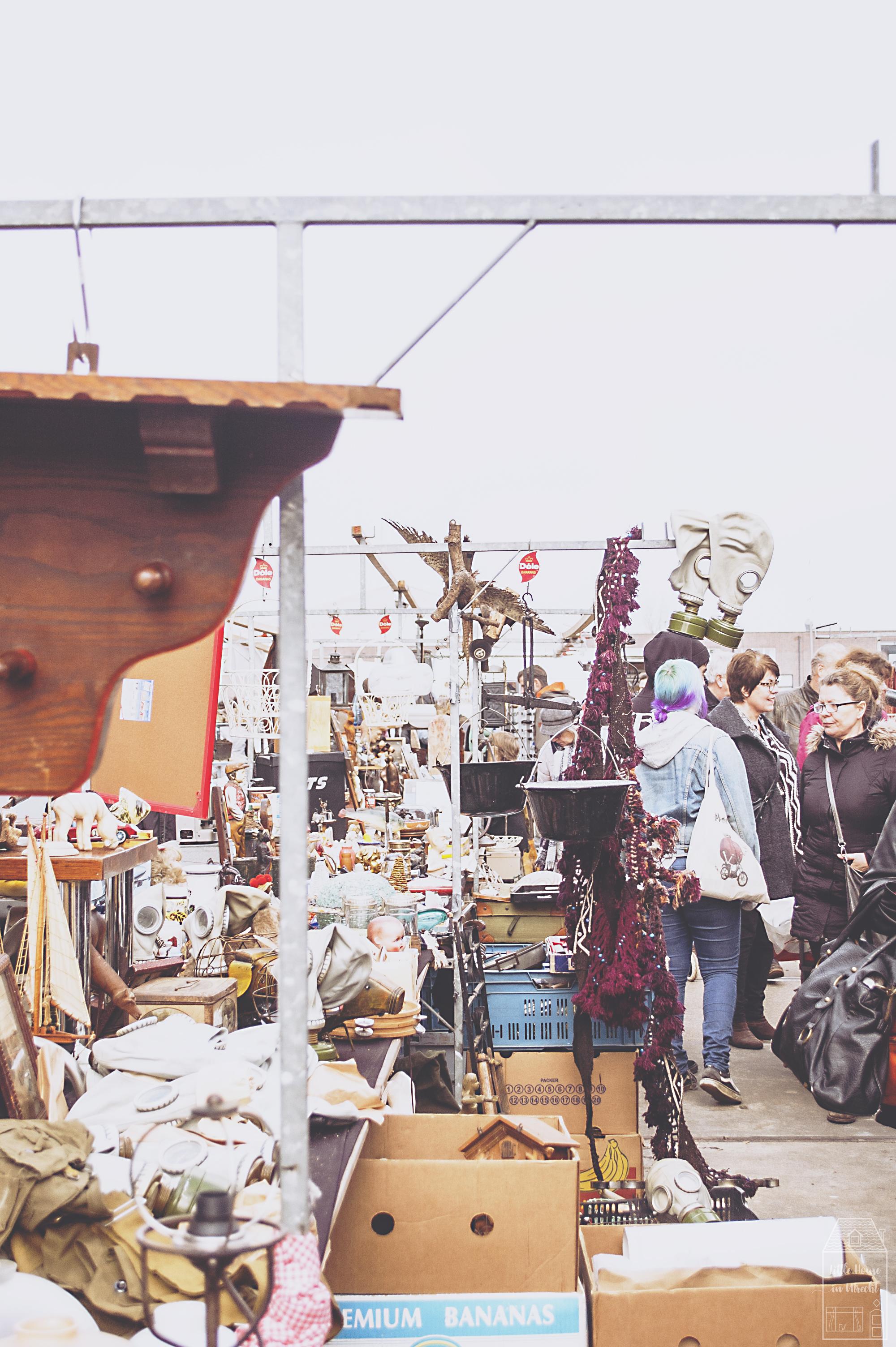 Amsterdam IJ-Hallen flea market