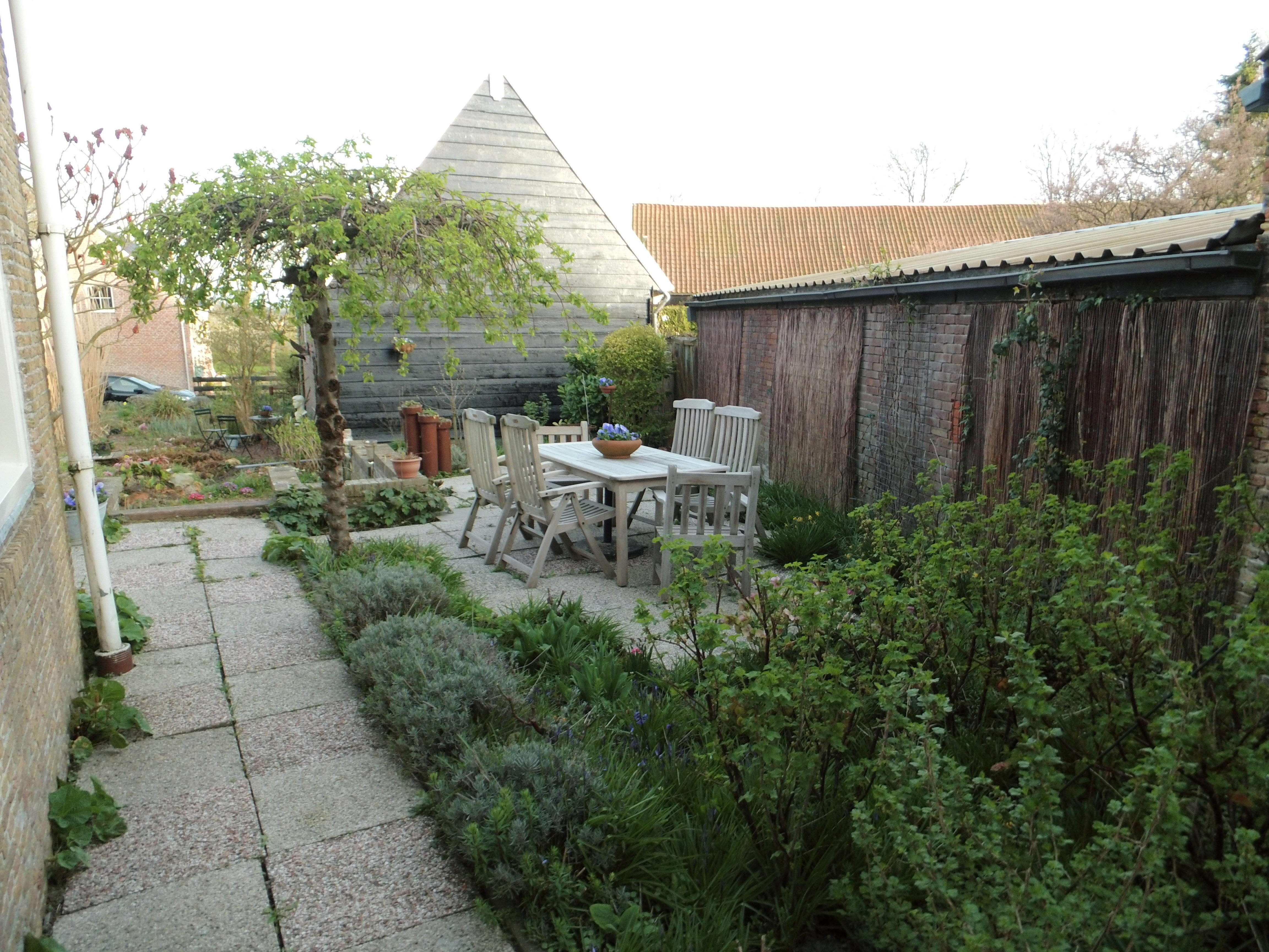 Tuin vanaf poort