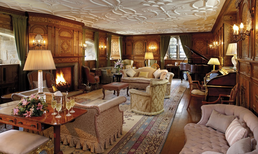 Spotlight On The Castle The Drawing Room Hever Castle