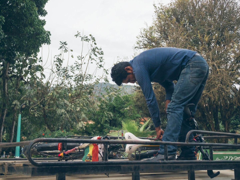 Chargement des vélos pour aller chez Jeremias