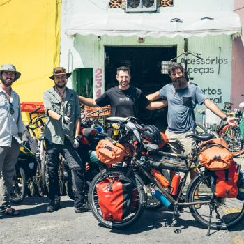 En sortant d'Itanhaém on retrouve notre hôte dans son magasin de vélo
