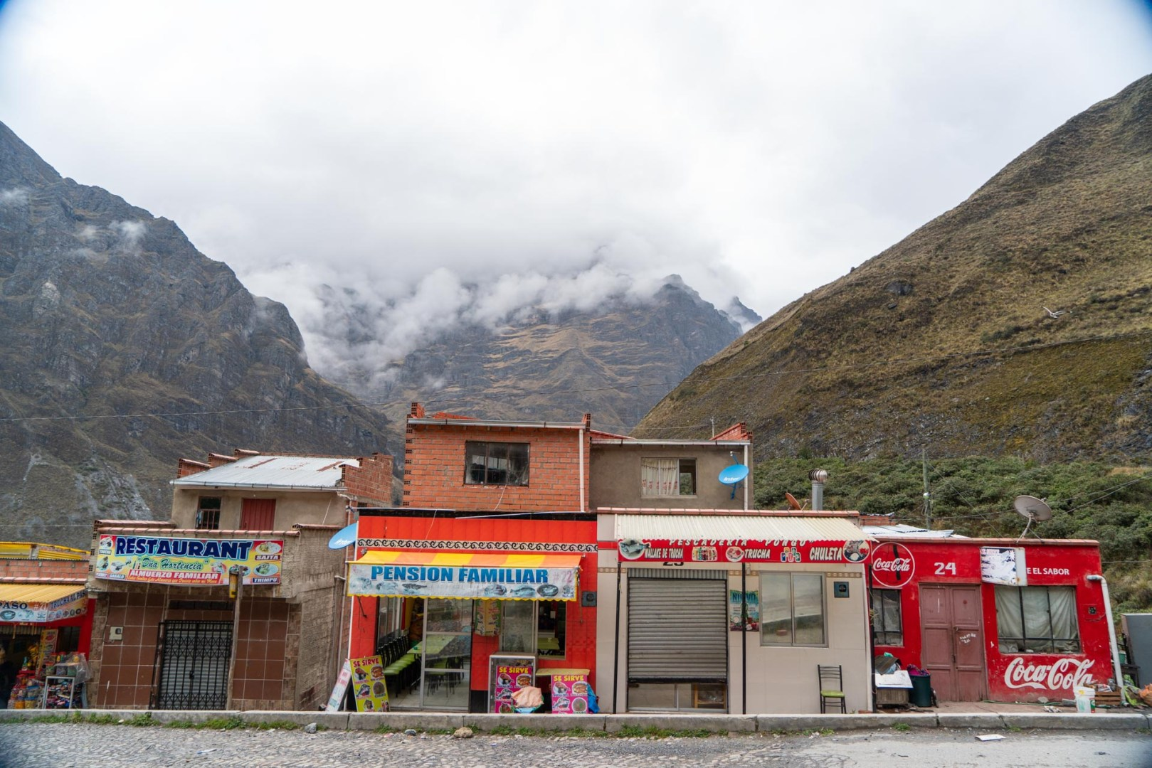 Des tiendas sur la route