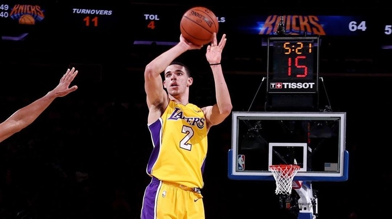 c9d728aeec1a Lonzo Ball s Relationship With The Los Angeles Lakers Keeps ...