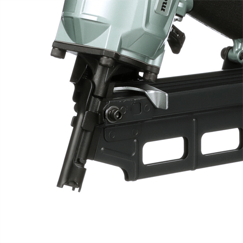framing nailer with clawed tip