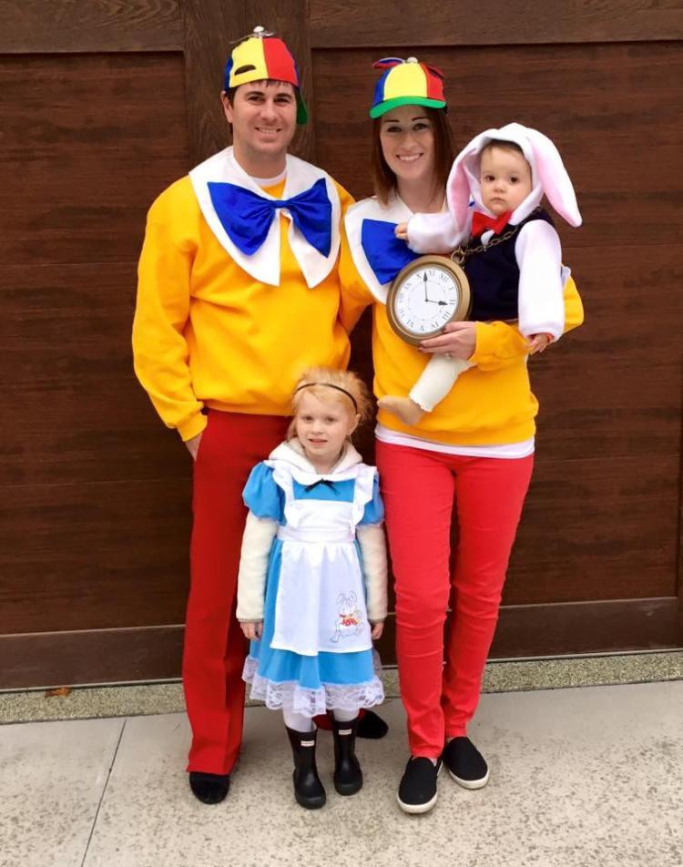 family of 4 halloween costume