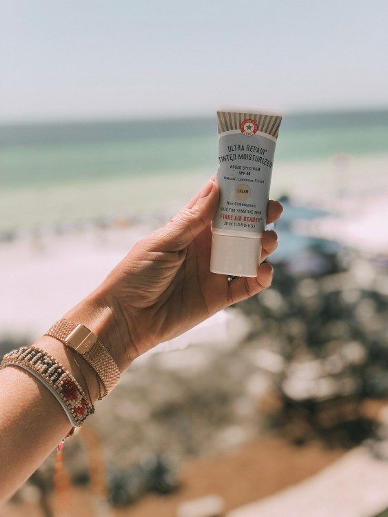 first aid beauty ultra repair tinted moisturizer safe sun