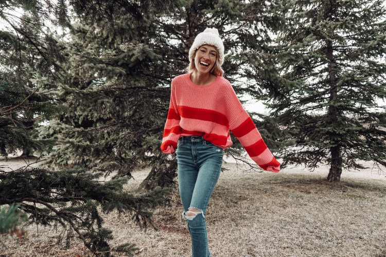 pink sweater white beanie outfits for winter