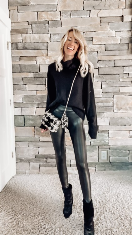 all black outfit for fall 2021