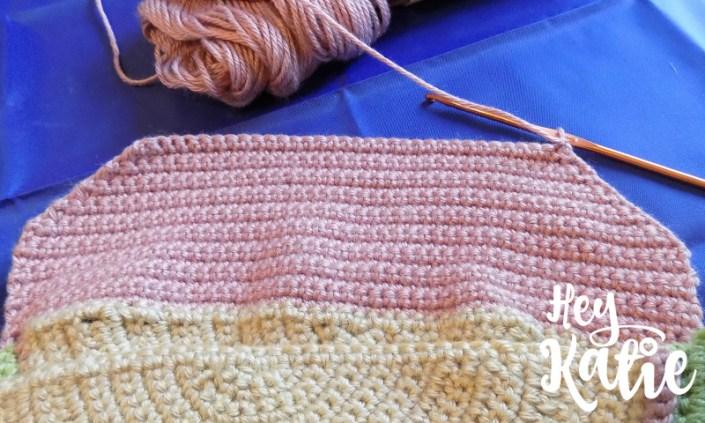 Tri-Color Half Circle Purse Crochet Pattern