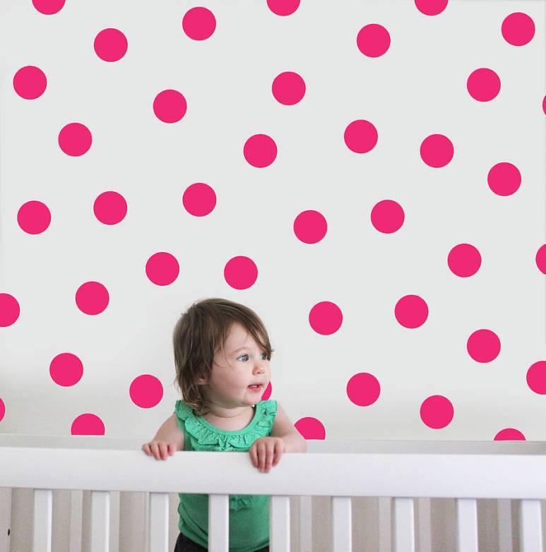 Stickers muraux pastilles roses pour déco chambre enfant