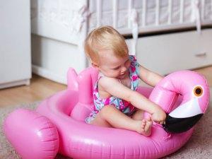 Bouée flamant rose bébé piscine