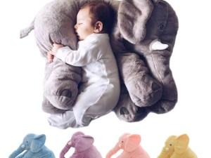 Oreiller éléphant gris, bleu, violet, rose ou jaune