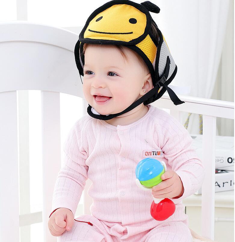 Casque pour bébé pour amortir les chocs quand bébé apprend à marcher