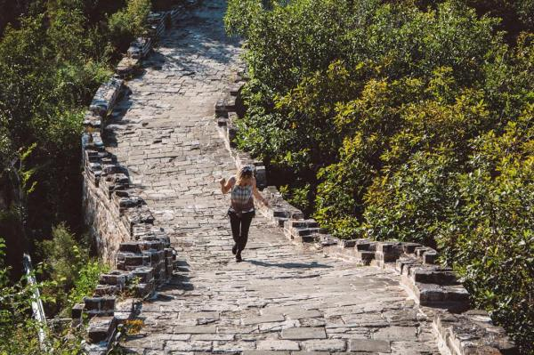 NOT REAL LIFE: this photo took 30 minutes to take. No seriously, I ran up and down for 30 minutes waiting for people to take their photos and leave. Trying to get a solo photo on the Great Wall of China is very difficult, there is a lot of people. LOL. Sooo going back to the Instagram being fake, sometimes photography takes time. And patience. Hope you enjoy regardless! #themoreyouknow #china