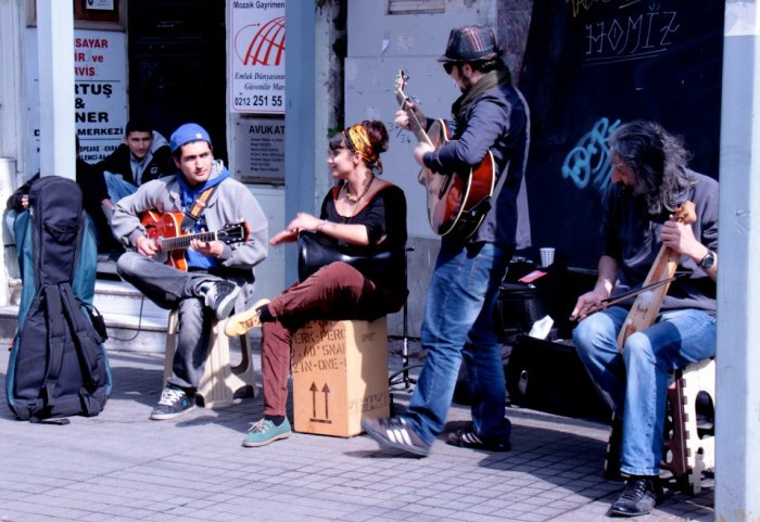 Street musicians: Istiklal