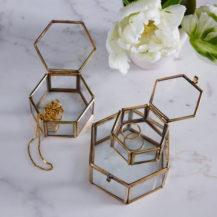 HeyRashmi gift guide- West Elm nesting trinket box set of 3