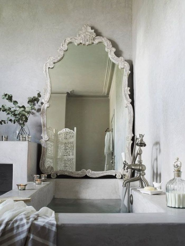 HeyRashmi home decor ideas - statement bathroom mirror 3