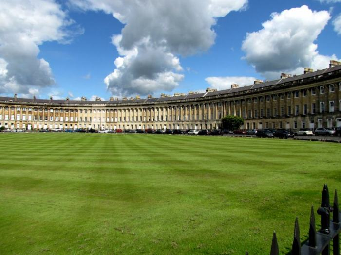 HeyRashmi Best Weekend Breaks UK - Royal Crescent Bath