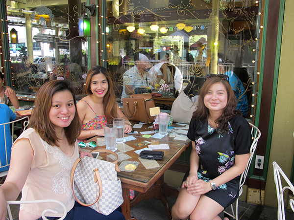 GIRLS CATCH UP AT MARY GRACE CAFE