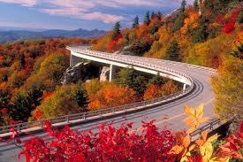 linn-cove-viaduct-blue-ridge-parkway-heysmokies