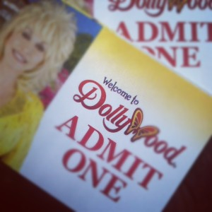 dollywood-ticket-heysmokies