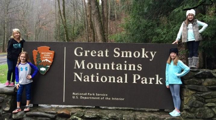 smoky-mountains-sign-heysmokies